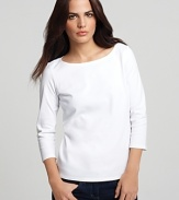 Keep everyday looks casual while still exuding ultra refinement in this Eileen Fisher tee.