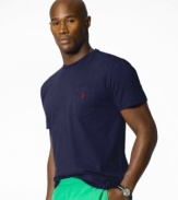 Short-sleeved t-shirt, cut for a comfortable, classic fit. With a chest pocket.