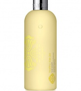 This revitalizing hair cleansing wash is ideal for everyday use. Crammed full of ziao jao extract, hydrolyzed keratin and aromatic oils of juniper, artemisia and pepper, it will help keep your hair and scalp clean and looking healthy. Ziao jao, also known as Chinese honeylocust fruit, is known to help cleanse and keep the scalp looking healthy and soothed. 10 oz.