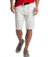With clean, classic styling and a little more room to move, these adjustable waist shorts from Izod provide a versatile addition to your warm-weather lineup.