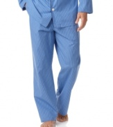 This essential pajama pant, rendered in smooth woven cotton for a light, comfortable fit.