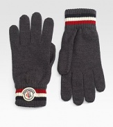 Winter warmth par excellence in softly knitted, ribbed wool fleece. Applied logo detail Wool fleece Hand wash Imported